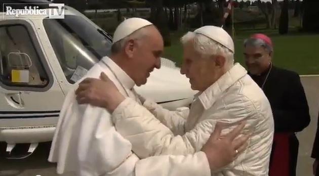 Już wiesz, jak się witają papieże?