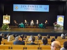 """Celem dialogu jest zbawienie człowieka. Panel """"Jan Paweł II – papież dialogu"""" w Instytucie Teologiczno-Pastoralnym"""