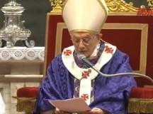 Benedykt XVI (2005 r.): Papież musi dbać, by zmieniające się mody nie unicestwiły Słowa Bożego