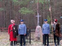 Pod patronatem Dziennika Parafialnego. Oddano hołd powstańcom w lesie we Wróblewie
