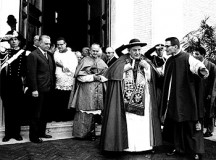 Św. Jan XXIII: Należy w pełni zachować język łaciński
