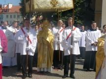 Św. Jan Paweł II: Uczestnictwo wiernych w procesji eucharystycznej jest łaską od Pana