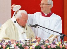 Jan Paweł II w Kaliszu: Bądźcie solidarni z życiem!