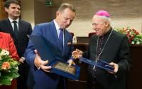 Biskup Edward Frankowski zasłużony dla województwa podkarpackiego