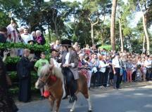 Pod patronatem Dziennika Parafialnego… Uroczystości odpustowe ku czci św. Rocha z błogosławieństwem zwierząt w Mikstacie – relacja