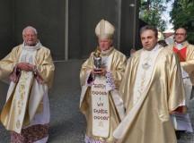 Intronizacja relikwii św. Jana Pawła II w Mikstacie